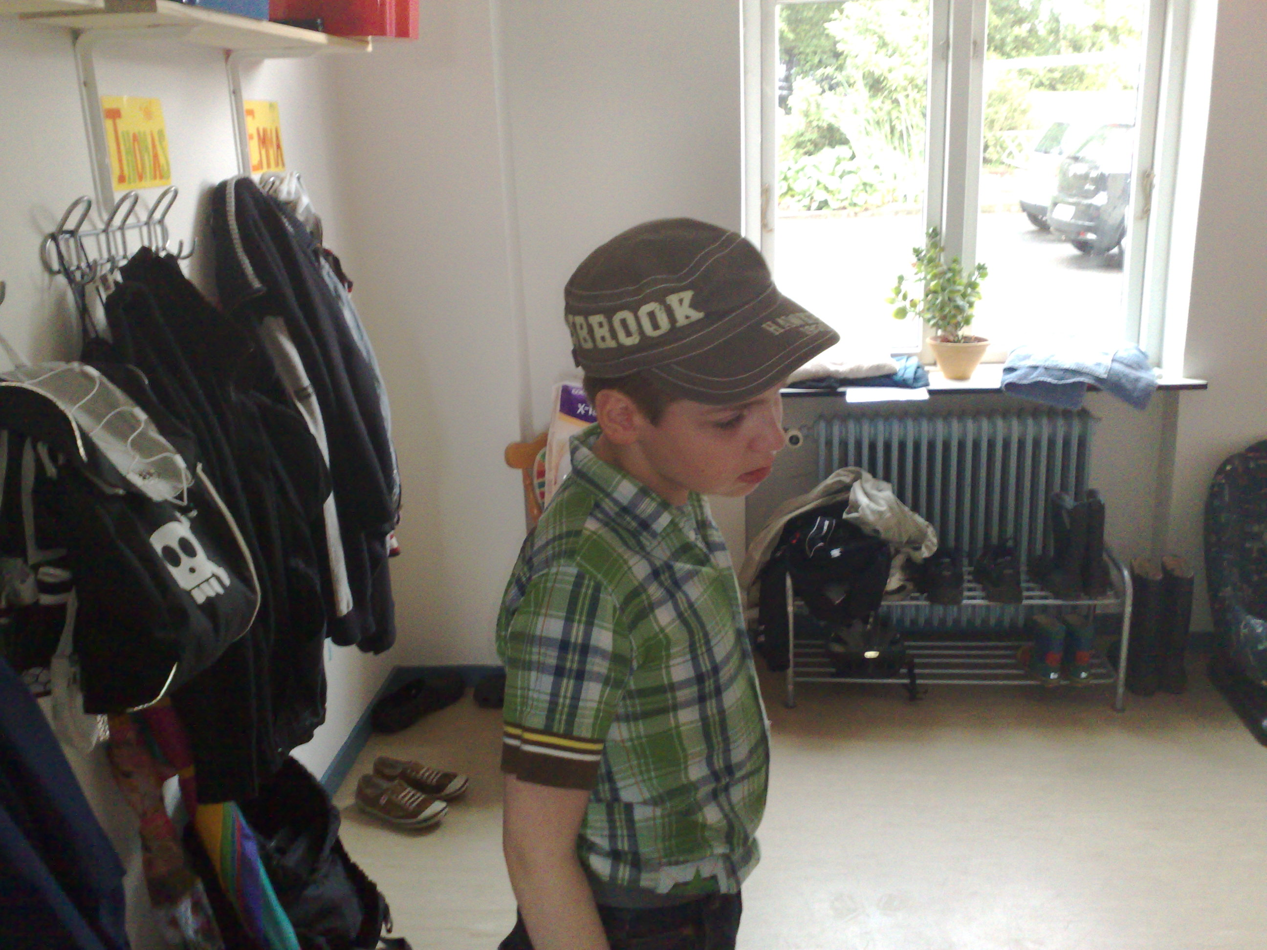 Thomas i garderoben forår 2008 -  Skolen